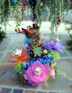 Alice Tea Party centerpiece - this is FANTASTIC!! How on earth could I make such a thing?