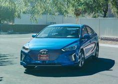 Al volante Hyundai lancia lauto a guida autonoma in collaborazione con Google [multipage]  In occasione del CES di Las Vegas Consumer Electronic Show Hyundai apre le porte al futuro presentando una vettura sviluppata in collaborazione con #volante #alvolante #motori #inchieste #prove #automobilismo