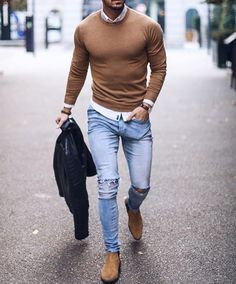 Jeans, beige Chelsea Boots, beige pullover