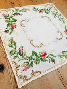 Lovely floral roses cross stitch embroidered tablecloth in Etsy Cross Stitch Rose, Cross Stitch Borders, Cross Stitch Alphabet, Cross Stitch Charts, Cross Stitch Designs, Cross Stitching, Cross Stitch Embroidery, Cross Stitch Patterns, Cushion Embroidery