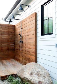 40+ Best Outdoor Shower Ideas To Maximum Summer Vibes #outdoor #outdoorshowerhead #outdoorshowerideas