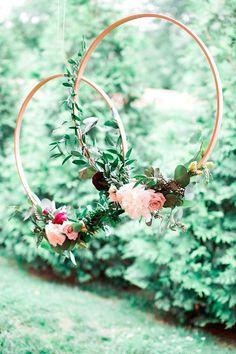 ramos de novia originales - hoop bouquet