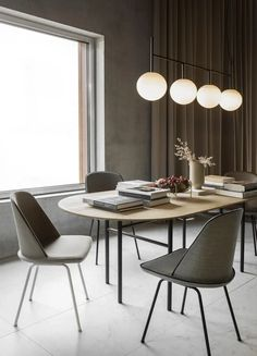 Modern Dining Room Chairs That Will Change Your Home Decor Dining Table Pendant Light, Dining Room Lighting, Dining Room Chairs, Office Chairs, Dining Tables, Table Lamps, Lights Over Dining Table, Fine Dining, Luxury Dining Room