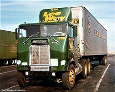 Millions of Semi Trucks: Photo Big Rig Trucks, Semi Trucks, Old Trucks, Model Truck Kits, Cool Car Pictures, Truck Transport, Freight Truck, Freightliner Trucks, White Truck