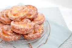 Apfelkrapfen Donuts, Shrimp, Cereal, Breakfast, Frost Donuts, Morning Coffee, Beignets, Breakfast Cereal, Corn Flakes