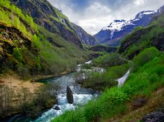 A bucolic countryside photo shot while riding the Flam Railway Train, Norwegian Countryside Weather Network, Days Of The Year, Summer Solstice, First Nations, Countryside, Rios, Photoshoot, Mountains, Photo And Video
