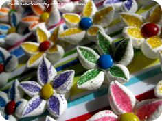 Adorable edible flowers made with mini marshmallows and sprinkles