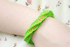 How Do You Make a Wrapped &Twisty Rubber Band Bracelet with Loom Kit - Tutorial