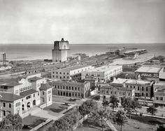 Tarragona Street wharf, Pensacola, Florida. 1908