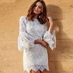Our Casablanca dress is the perfect addition to your Spring Carnival wardrobe. Crafted from stunning ivory lace with a scalloped edge, this ultra-feminine dress is sure to turn heads at your next racing event!