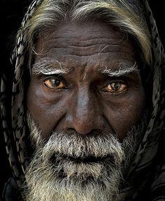 dark skin, gray hair