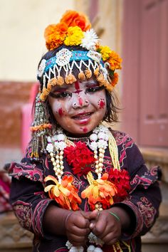 A young Indian gypsy girl in Jaisalmer, India