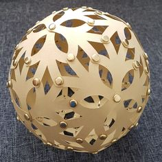 Pentagonal Hexecontahedron inspired by David Trubridge's Floral Lamp