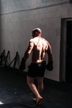 Stability Exercises, Balance Trainer, Gym Photos, Weighted Vest, Work Shorts, Shirtless Men, Bosu Ball, Badminton, Gym Rat