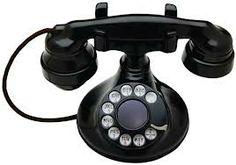 als je een paar jaar geleden naar een bedrijf belde kreeg je iemand aan de lijn. nu krijg je een apparaatje aan de lijn met toets 1 of toets 2. en dan krijg je misschien iemand aan de de lijn die thuis werkt.