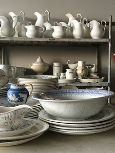 Antique ironstone and white decor inspiration. French Farmhouse Decor, French Country Living Room, French Country Decorating, French Style Chairs, First Apartment Decorating, Colorful Pillows, Minimalist Bedroom, White Decor, Living Room Designs