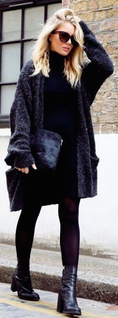 #fall #fashion / all-black fall style furry coat ❤