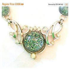 Christmas in July 20% Off Green Sparkling Confetti Lucite Necklace,... (115 ILS) ❤ liked on Polyvore featuring jewelry, green pendant, vintage jewelry, vintage art deco jewelry, pendant jewelry and vintage green jewelry