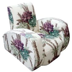 For Sale on - Dramatic Art Deco club chair reupholstered in floral barkcloth. Art Deco Chair, Art Deco Furniture, Furniture Styles, Cheap Furniture, Silla Art Deco, Muebles Art Deco, Rustic Chic Decor, Prim Decor, Dramatic Arts