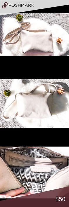 Steve Madden Cream Colored Crossbody Beautiful leather Uppers that are clean with no holes, tears or stains. Inside has 2 pockets and a zippered pocket very clean interior. Bag is in great shape and was only used once. Steve Madden Bags Crossbody Bags