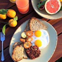 This is how true Californians #breakfast on the bay.