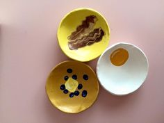 Brunch desk set--Keep your desk bits organized with the most important meal made of clay. One egg, one plate of bacon, and one stack of blueberry-topped pancakes. Set of three handmade clay trinket dishes Glitter Houses, Desk Set, Safe Food, Cleaning Wipes, Blueberry, Pancakes, Bacon, Egg, Brunch