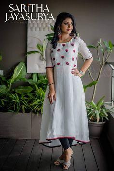 Size - m to xxl Price fs Fabric - chenderi silk Kurti with pant Salwar Designs, Kurta Designs Women, Kurti Neck Designs, Dress Neck Designs, Kurti Designs Party Wear, Blouse Designs, Indian Designer Outfits, Designer Dresses, Designer Kurtis