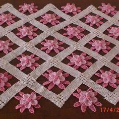 @oyambutik's photo Turkish Needle Lace Crochet Doily Patterns, Bead Crochet, Irish Crochet, Baby Knitting Patterns, Crochet Crafts, Crochet Doilies, Yarn Crafts, Crochet Flowers, Quilt Patterns