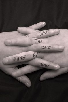 "Enlacement Main "" Save the date"""