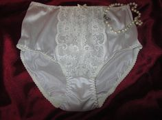Beautiful soft nylon vintage bridal white panties with lace panel , in size 13/USA 24/AU