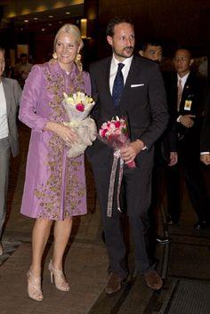 Crown Prince Haakon and Crown Princess Mette-Marit of Norway arrive at the Shangri-La Hotel,in Jakarta on 25 Nov 2012.