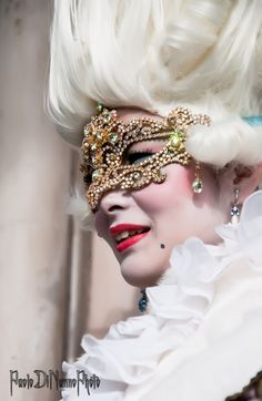 Paolo Di Nunno is using the world's most passionate photo sharing community. Carnival Makeup, Carnival Masks, Mask Face Paint, Mask Makeup, Masquerades, Beautiful Mask, Masquerade Party, Marie Antoinette, Types Of Fashion Styles