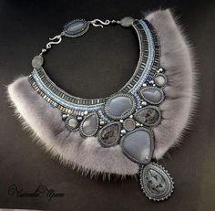 """Колье """" Дымка"""" - серый,натуральные камни,жемчуг,украшение с мехом,меховое колье"""