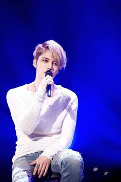 """""""At the narrowed crossroads, you put wings on me. Because I was born as me, I couldn't know about this common kiss and this rough heart"""" - Kim Jaejoong [One Kiss] Hero Jaejoong, Korean Pop Group, Hallyu Star, Jung Yunho, Kim Jae Joong, Fan Picture, Heechul, Kdrama Actors, Actor"""