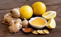 Weight Loss with Ginger and Lemon. Ginger is a well-known root around the world for all of its health properties, especially as an anti-inflammatory and for . Migraine, Drinking Lemon Juice, Natural Anti Anxiety, Fighting The Flu, Soup Cleanse, Salud Natural, Weight Loss Water, Dieting Foods, Healthy Smoothies