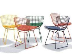 whyr: Side Chair - Designed by Harry Bertoia for Knoll. - Vintage (Wire) Chair by Harry Bertoia for Knoll Metal Patio Furniture, Rattan Furniture, Plywood Furniture, Modern Furniture, Furniture Design, Futuristic Furniture, Table Furniture, Garden Furniture, Harry Bertoia