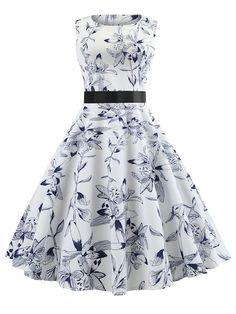 To find out about the Ribbon Tie Fit and Flare Floral Dress at SHEIN, part of our latest Dresses ready to shop online today! Girls Fashion Clothes, Fashion Dresses, Clothes For Women, Stylish Clothes, Modest Fashion, Prom Dress Shopping, Online Dress Shopping, Pretty Dresses, Beautiful Dresses