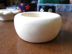 Back-Soda-Porzelan DIY.  1Tasse Mais starke,   2Tassen Natron, 1 1/4. Tasse kaltes Wasser, mixen, auf kleiner Flamme erwärmen bis zur Konsistenz von Kartoffelbrei, im sep. Behälter abdecken, formen, backen oder 2Tage trocknen