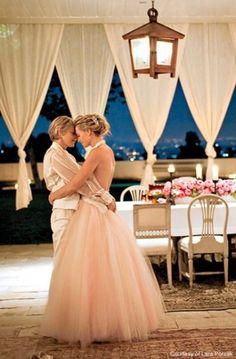 Ellen and Portia. Gorgeous couple!
