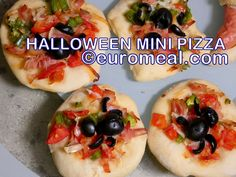 leckeres fingerfood für die Halloween Party Mini Pizza, Halloween Food For Party, Vegetable Pizza, Baked Potato, Baking, Vegetables, Ethnic Recipes, Halloween Party Recipes, Finger Food