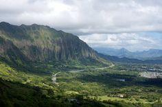 Oahu's Nuuanu Pali Lookout – It's What You Came For http://thingstodo.viator.com/hawaii/oahu-nuuanu-pali-lookout/
