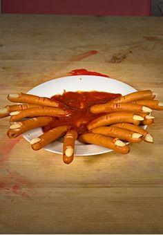 Halloween Rezept Würstchenfinger  #halloween #rezept #recipe #halloweenparty #horrorparty #essen #food #partyfood #fingerfood #horrorfood