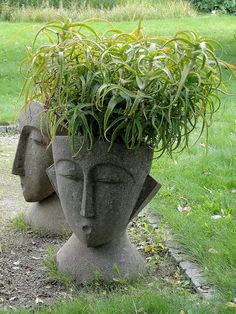 I'd like these planters : )