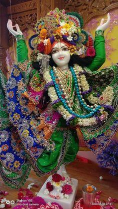 Shri Ganesh, Jai Shree Krishna, Radhe Krishna, Radha Krishna Images, Radha Krishna Love, Laddu Gopal, Indian Art, Deities, Caricature