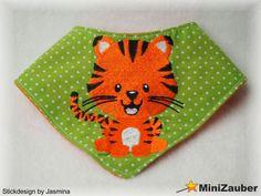 Ein Babyhalstuch komplett ITH gestickt.  Embroidery Design