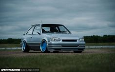 Ford Escort mk4 - Tuning, blue rims, low suspension Ford Rs, Car Ford, Ford Capri, Ford Escort, Automotive Art, Ford Models, Cars And Motorcycles, Cool Cars, Automobile