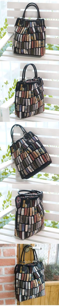 idea for leftover shirt pieces space between black and make a stripy string quilt - PIPicStats Patchwork Bags, Quilted Bag, Textiles, Triangle Bag, Diy Bags Purses, Diy Handbag, Fabric Beads, Purse Patterns, Handmade Bags