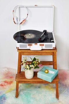 #DIY Plattenspieler Tisch
