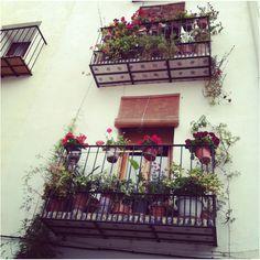 Beschreibe deinen Pin ...Traditional Spanish balconies