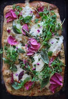9 Watermelon Radish Recipes to Brighten Up Your Summer Meals: Whole-Wheat Pizza with Watermelon Radish Recipe